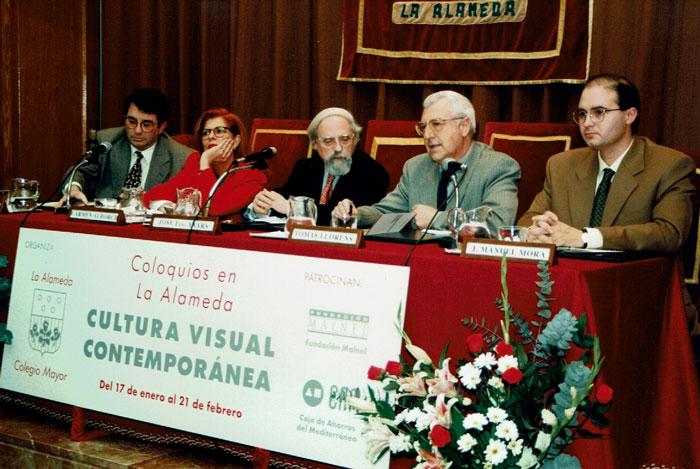 I Coloquios de Cultura Visual Contemporánea. De izquierda a derecha: Manuel Muñoz Ibáñez, Carmen Alborch, José Francisco Yvars, Tomás Llorens y José Maunel Mora, gestor cultural de la Fundación Mainel en la época.