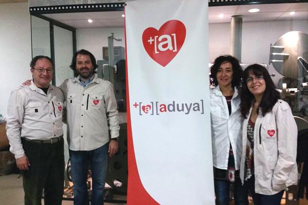 El presidente de ADUYA, junto a miembros de la entidad